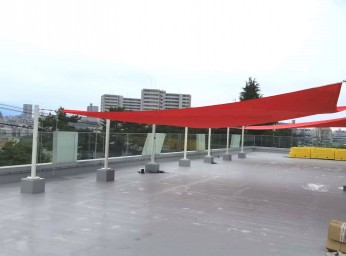 建物の屋上スペース